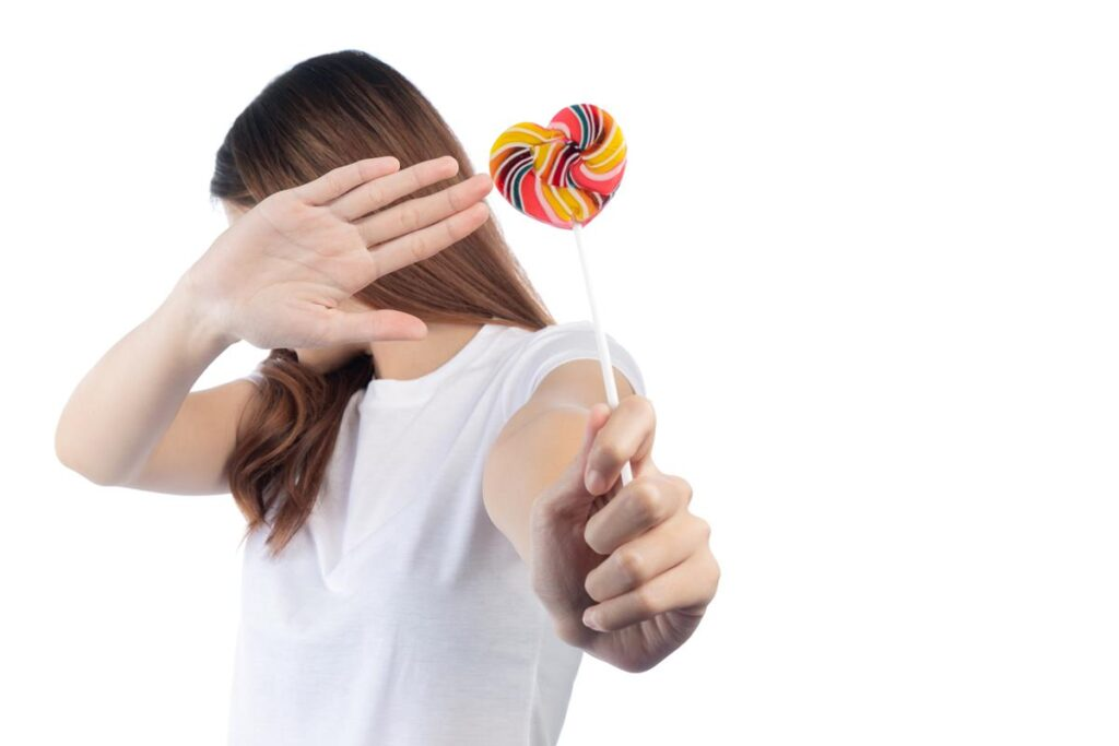 A fogszuvasodás okai között a cukros ételek fogyasztása előkelő helyen van. A fogszuvasodás megelőzése érdekében ezeket kerüljük.